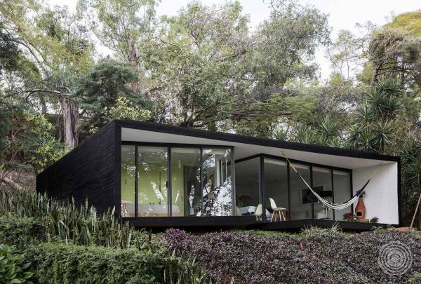LMM Bungalow by Cadaval & Sola-Morales