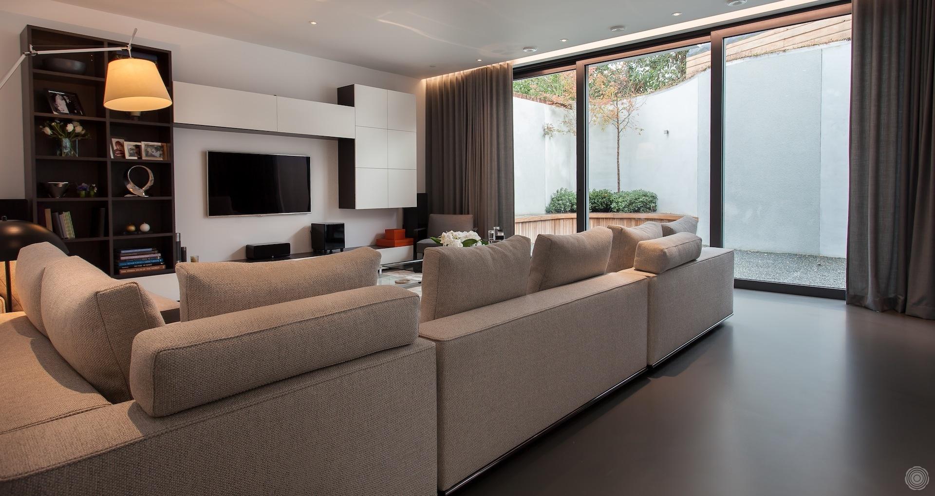 Gietvloer keuken houten elegant houten keuken beton eenvoudig