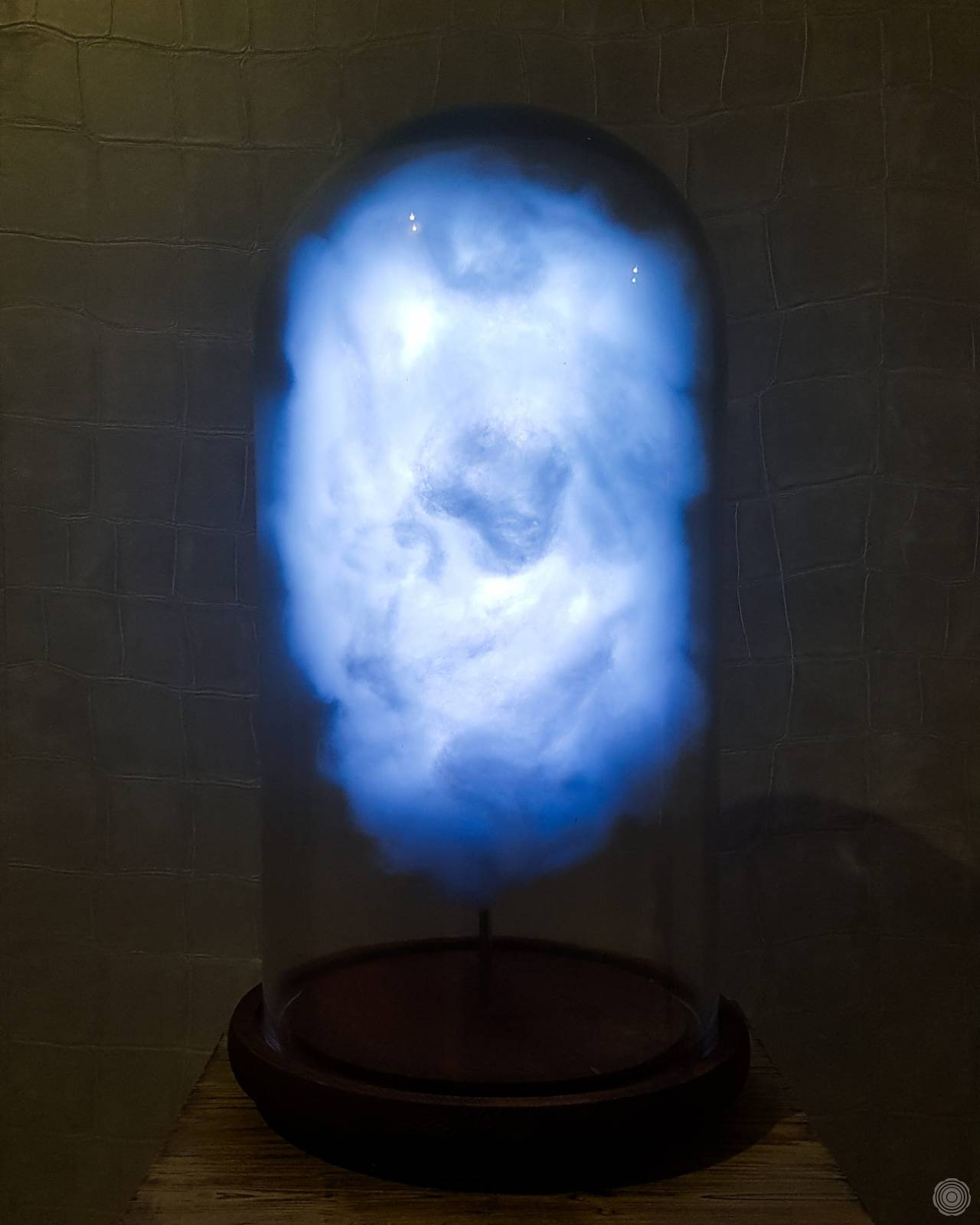 Cloud lamp that reacts to tweets