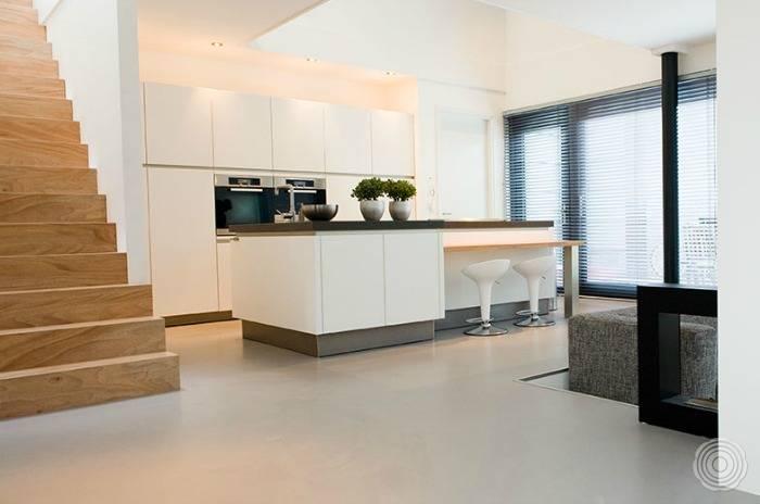 Industriele Keuken Rotterdam : Gietvloer keuken: naadloze gietvloeren voor keukens senso